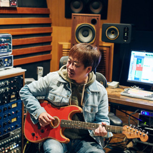 special-interview-acoustasonic-stratocaster-2020-thumb